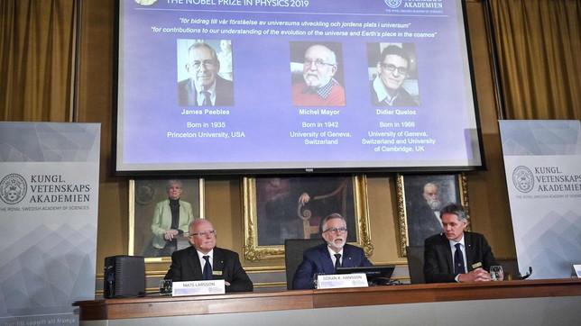 Nobel per la FisicaNobel per la Fisica alcosmologo Peebles e agli astronomi Mayor e Queloz