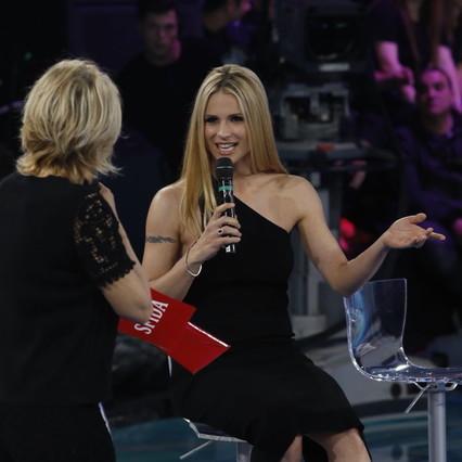 """""""Amici Celebrities"""", arriva Michelle Hunziker: guarda chi è rimasto in gara"""