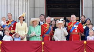 Moda e galateo: regole di dress code da copiare alla famiglia reale