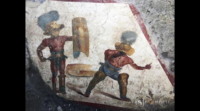 Pompei, scoperto affresco che raffigura due gladiatori in combattimento