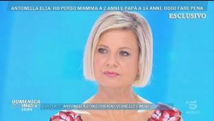 """Antonella Elia ricorda Mike Bongiorno: """"Mi sgridò quando applaudii una signora animalista che rifiutò una pelliccia"""""""