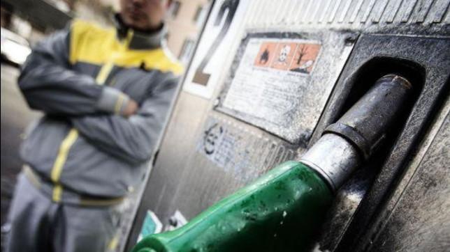 Benzinai: scatta lo sciopero di 48 ore