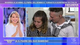 """Mamma a 16 anni, il padre del bambino torna in Italia grazie a """"Pomeriggio Cinque"""""""