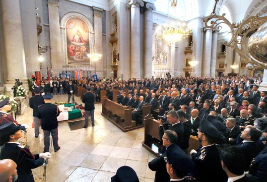 Trieste, i funerali dei poliziotti uccisi in questura