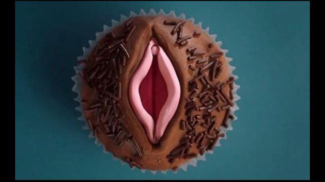 Gillian Anderson e il suo album erotico social