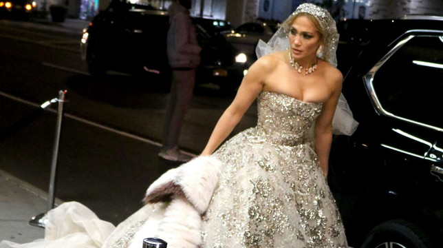 Jennifer Lopez fa le prove da sposa per le vie di New York