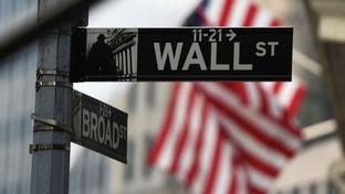 Wall Street chiude in rosso: Dow Jones-0,94%, Nasdaq -0,83%