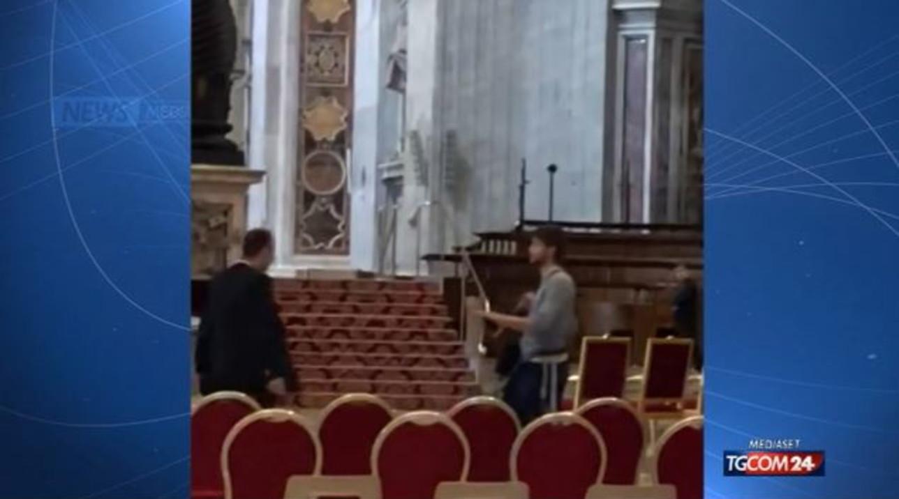 Roma, giovane tedesco dà in escandescenze in basilica San Pietro