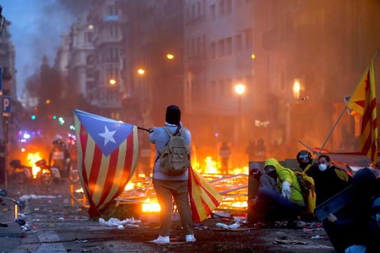 Proteste in Catalogna, quinto giorno di manifestazioni