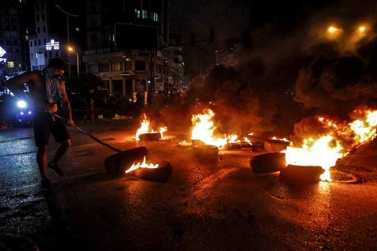 Libano, proteste contro il caro vita