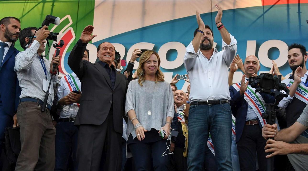 """Centrodestra, Berlusconi: """"Via il governo di tasse e manette ..."""
