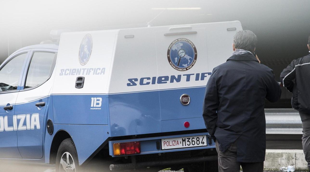 Clochard trovato morto a Linate: sul posto la scientifica