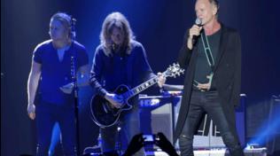 Sting non può suonare il basso: