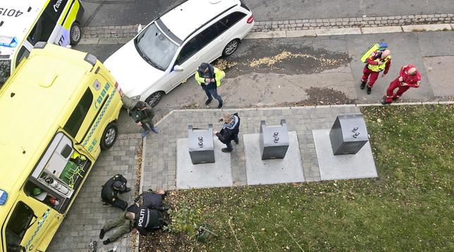 Norvegia,ruba un'ambulanza e travolge dei passanti a Oslo - Due fermati, hanno