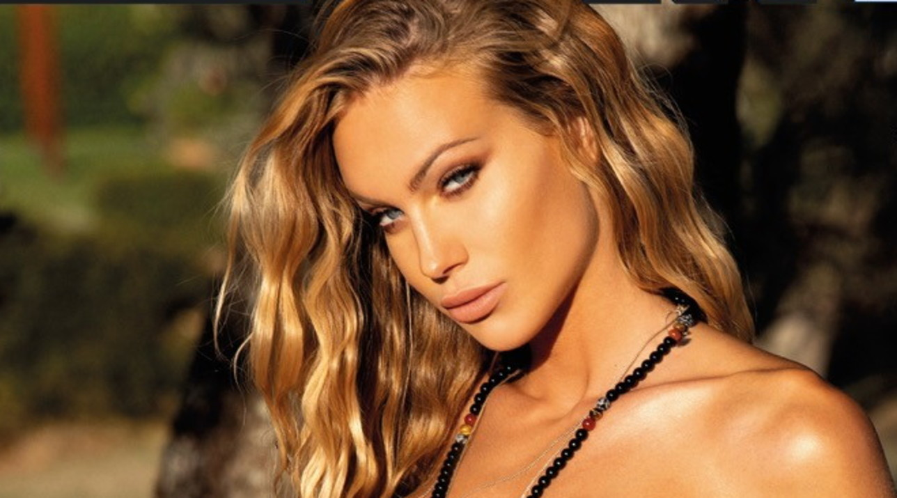 Taylor Mega sempre più hot, protagonista di un calendario senza veli