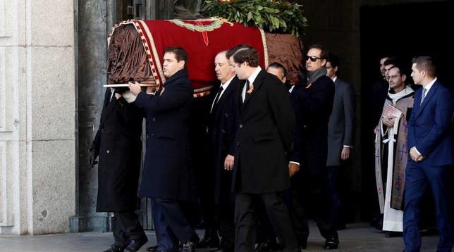 Spagna Riesumate Le Spoglie Di Francisco Franco Foto Tgcom24