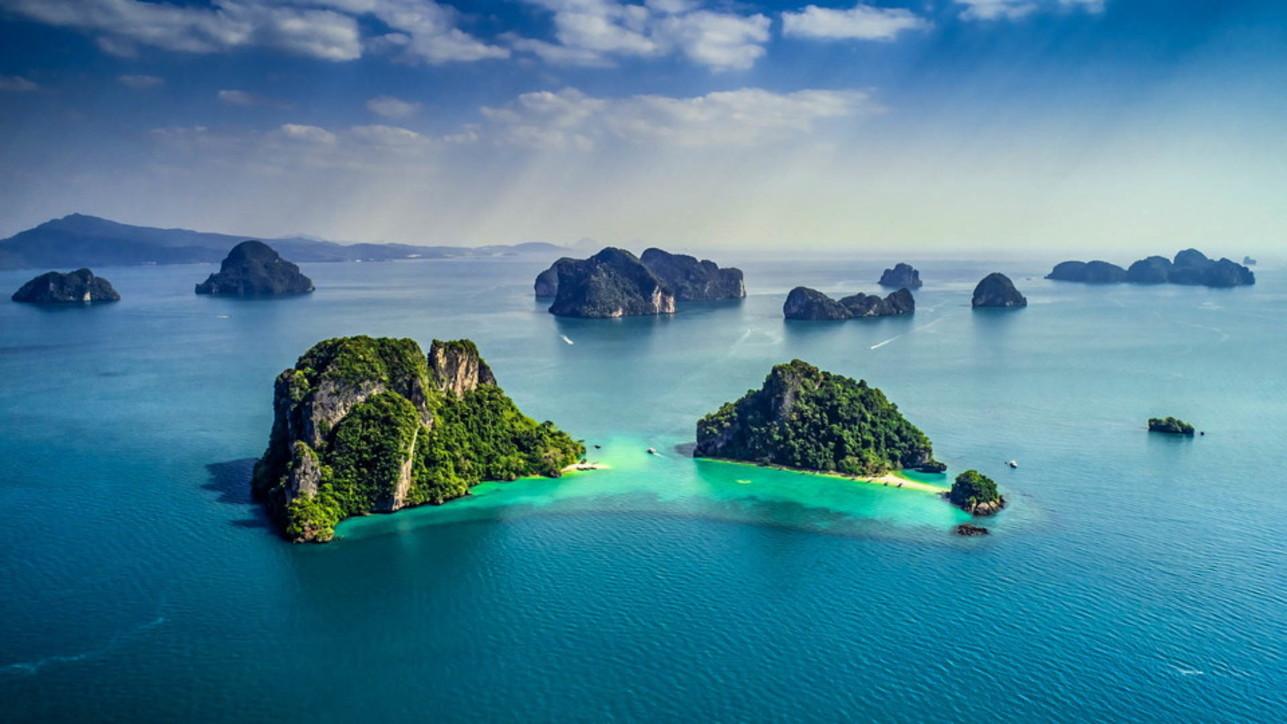 In barca tra le isole più belle inseguendo l'estate