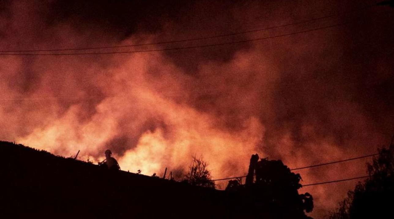 Usa, incendi in California: evacuate 40mila persone