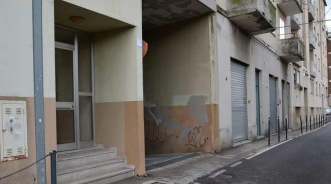 Trieste, il cadavere di un anziano trovato in un sacco: aveva la gola tagliata