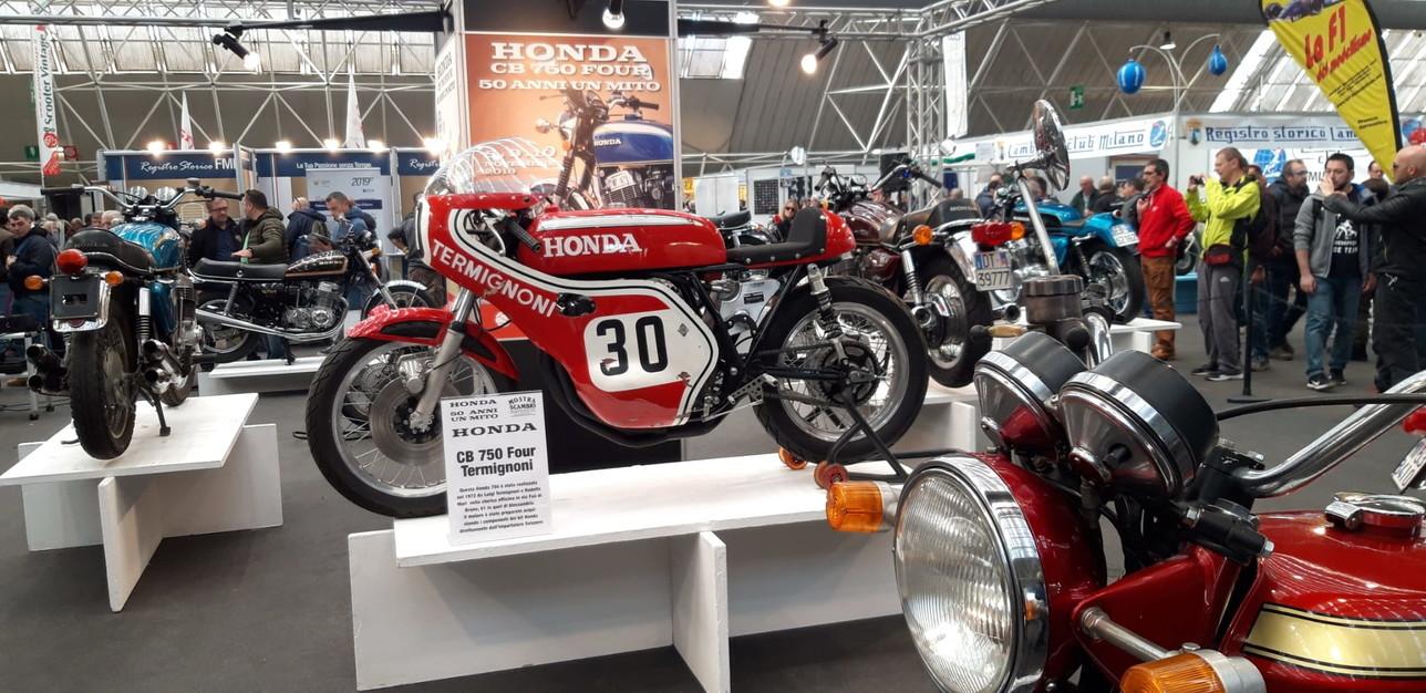 A Novegroil mito della Honda750 Four