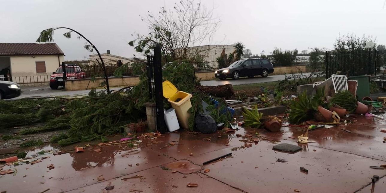 Maltempo, a Matera strade trasformate in torrenti in piena