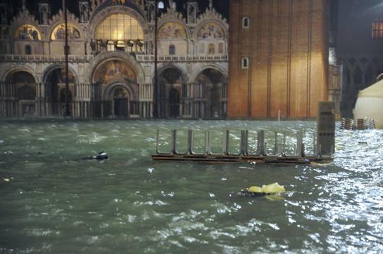 Acqua alta a Venezia, sommerso il centro storico