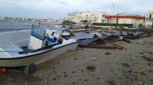 Porto Cesareo, tromba d'aria devasta la città