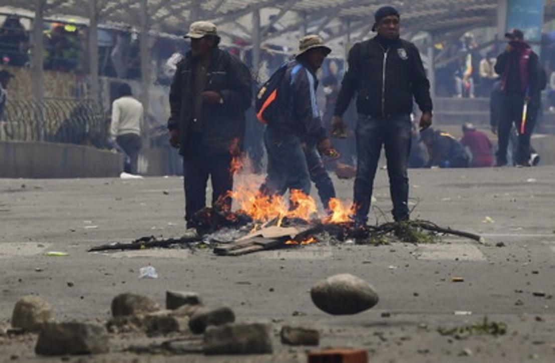 Scontri tra la polizia e i sostenitori di Morales a La Paz