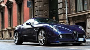 Alfa Romeo 8C Competizione Blu, all'asta un'auto unica