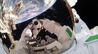 AstroLuca, sei ore di passeggiata spaziale per riparare il cacciatore di antimateria Ams