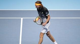 Federer lotta, ma spreca troppo: in finale ci va Tsitsipas