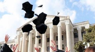 A tre anni dalla laurea, in Italia solo il 60% dei dottori trova un impiego   Fanalino di coda la Calabria con il 29%