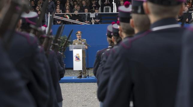 A Napoli giurano gli 88 nuovi allievi della scuola militare Nunziatella  Foto