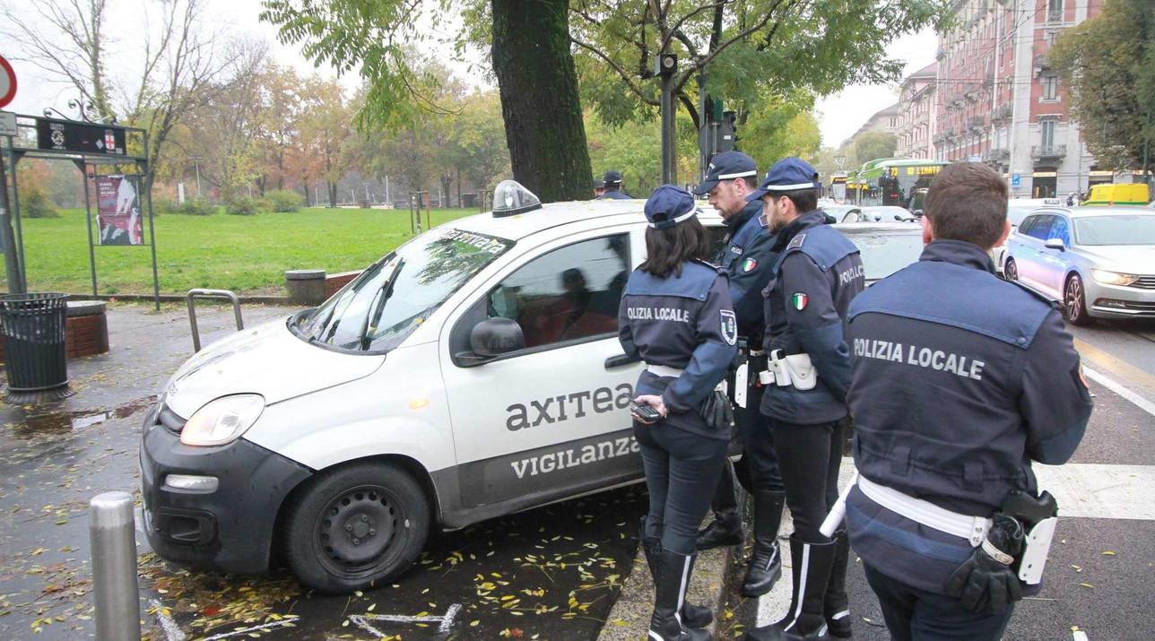 Milano, travolge e uccide motociclista: si suicida
