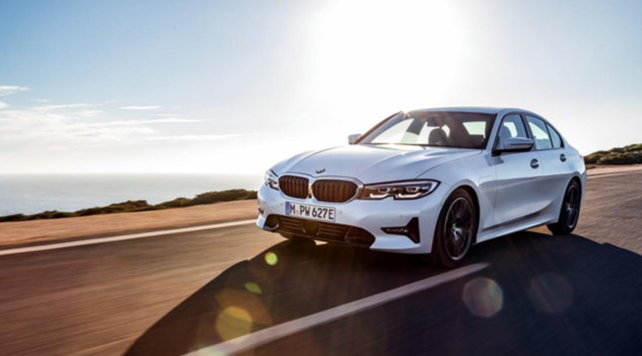 Nuova BMW 330e