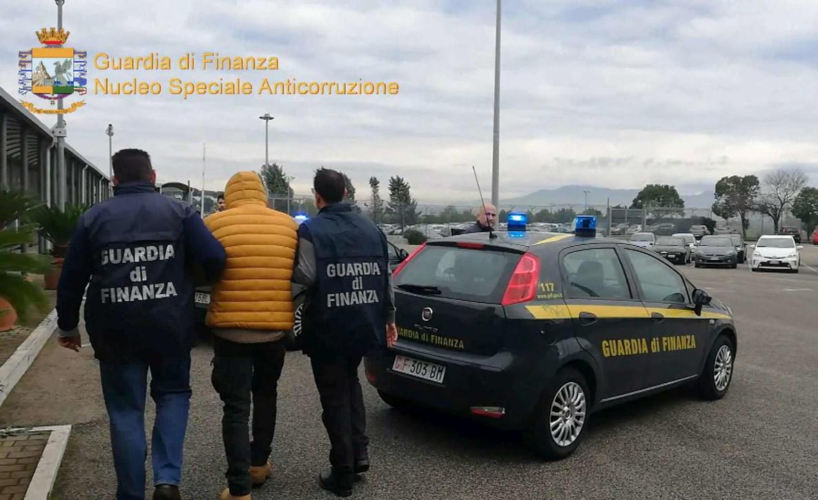 Corruzione per appalti, 20 arresti a Roma