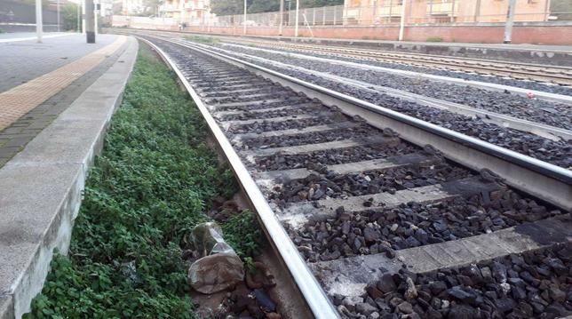 Pisa, 20enne travolto e ucciso da un treno: forse distratto da musica in cuffia