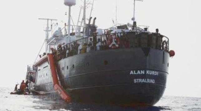 Migranti, archiviata indagine su Salvini per sbarco negato alla Alan Kurdi