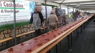 Nell'Aquilano la polenta dei record: poco più di 153 metri per entrare nel Guinness