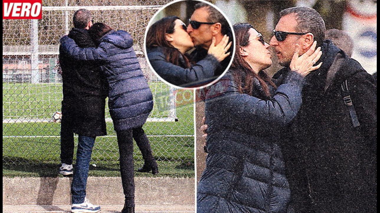 Amadeus e Giovanna alla partitella tra baci appassionati e coccole