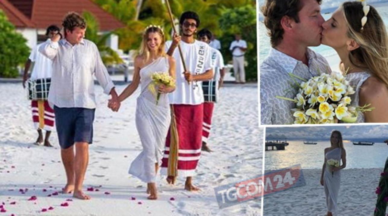 Nicoletta Romanoff fa il bis, si risposa sulla spiaggia alle Maldive