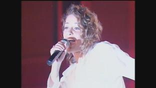 "Irene Grandi compie 50 anni: eccola al ""Festivalbar"" quando cantava ""Bum Bum"""