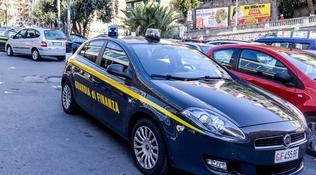 Olbia, spedisce un milione di euro di eroina cercando di approfittare del Black Friday: arrestato