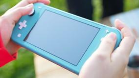 Gb, acquista online una Nintendo Switch e si ritrova con tamburelli e spazzolini