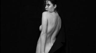 Ashley Benson nuda su Instagram... e la fidanzata Delevingne approva