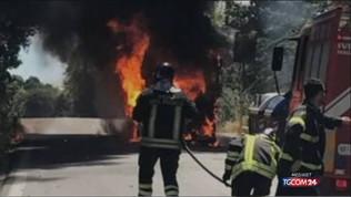 Roma,un altro bus in fiamme: è il terzo in tre giorni
