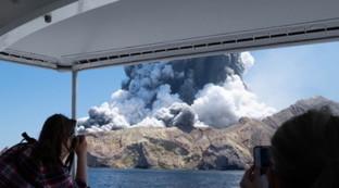 Nuova Zelanda, l'esplosione del vulcano di White Island