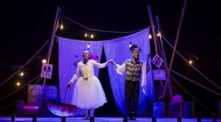 """Ale e Franz sono """"Giulietta e Romeo"""": guarda alcune scene dello spettacolo"""