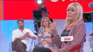 """""""Uomini e Donne"""", Tina contro Gemma: """"Spero che Juan esca con altre donne"""""""