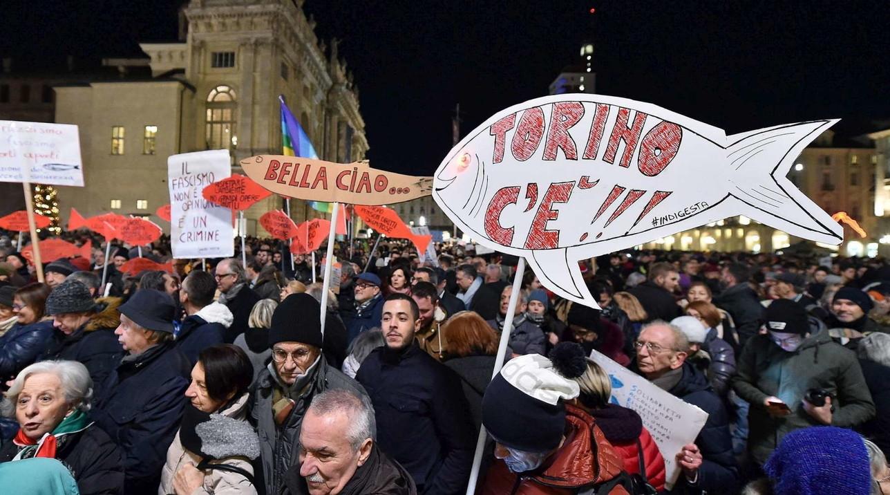 """Sardine in piazza: """"Torino non si Lega"""""""